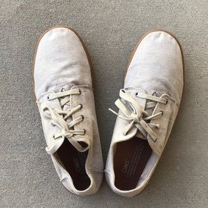Toms Canvas Shoes with Steings size 9